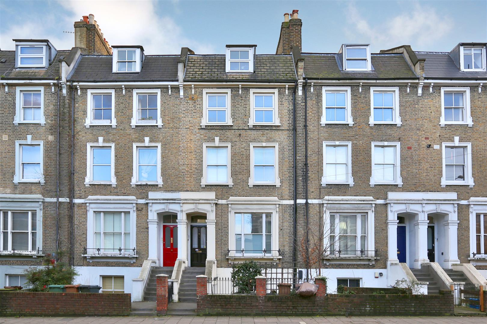 3 Bedrooms House for sale in Manse Road, London